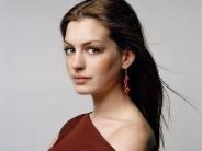 Anne-Hathaway-20