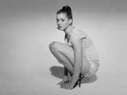 Anne-Hathaway-28