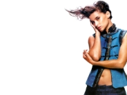 Nelly-Furtado-12