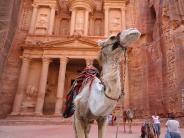 jordan-petra-treasury-camel